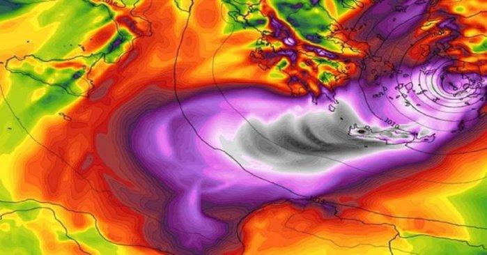 proeidopoiisi-quot-seismos-quot-apo-meteorologoys-erchetai-deyteros-pio-epikindynos-quot-kyklonas-quot-stin-ellada